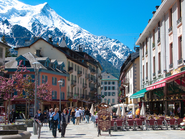 Geneva airport to chamonix low fare transfer green driver for Chamonix piscine